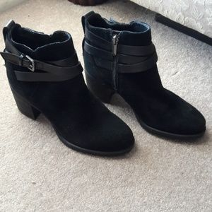 Sam Edelman Shoes - Sam Edelman suede ankle boots